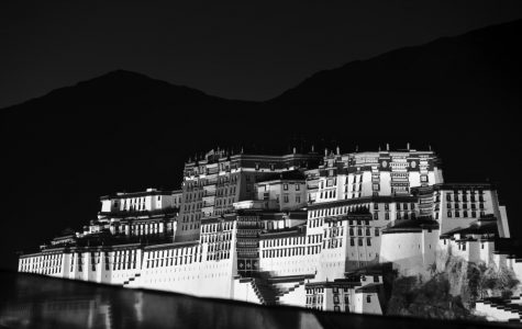Looking at Life in Lhasa
